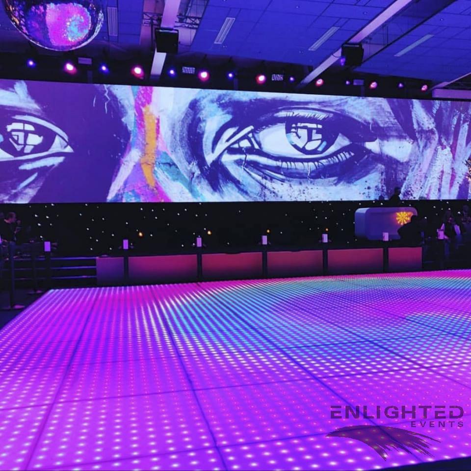 verlichte dansvloer voor een podium en led wand